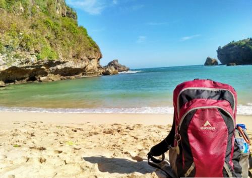 Jalan-Jalan ke Jogja di pantai ngrenehan yogyakarta